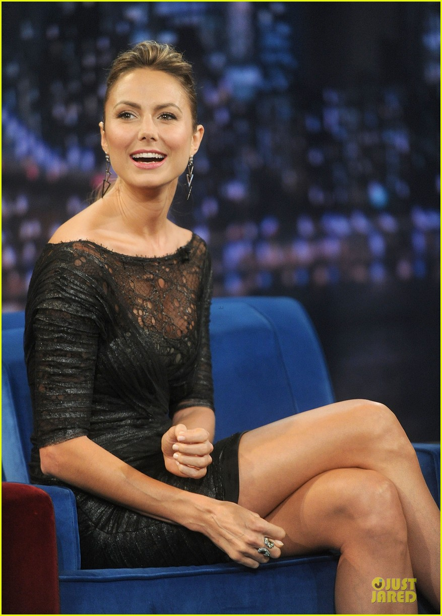 stacy keibler joins jesse the rippers on fallon 162912825