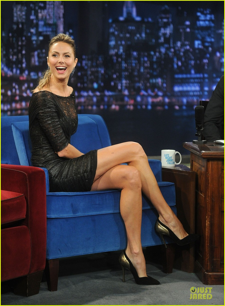 stacy keibler joins jesse the rippers on fallon 172912826