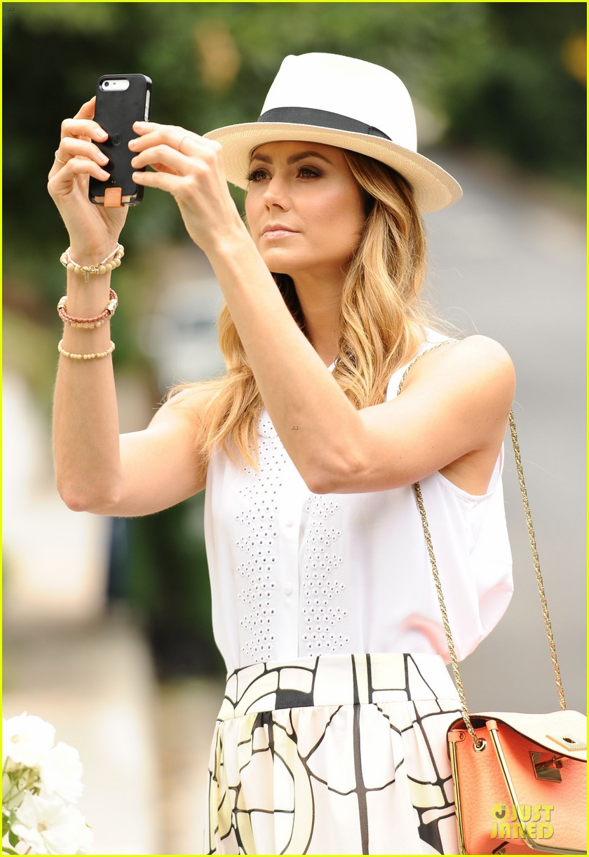 stacy keibler makes new memories with cell phone 022910518