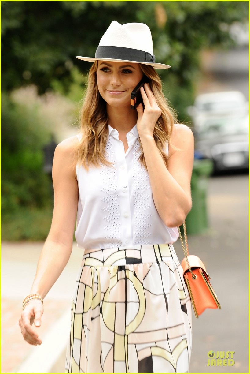 stacy keibler makes new memories with cell phone 042910520
