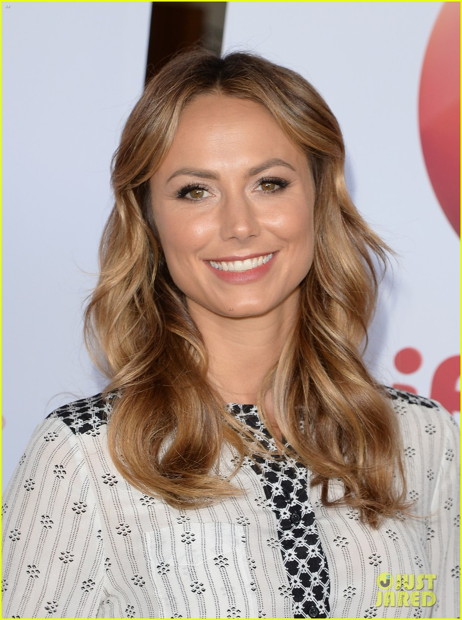 stacy keibler promote new show after george clooney split 082909864