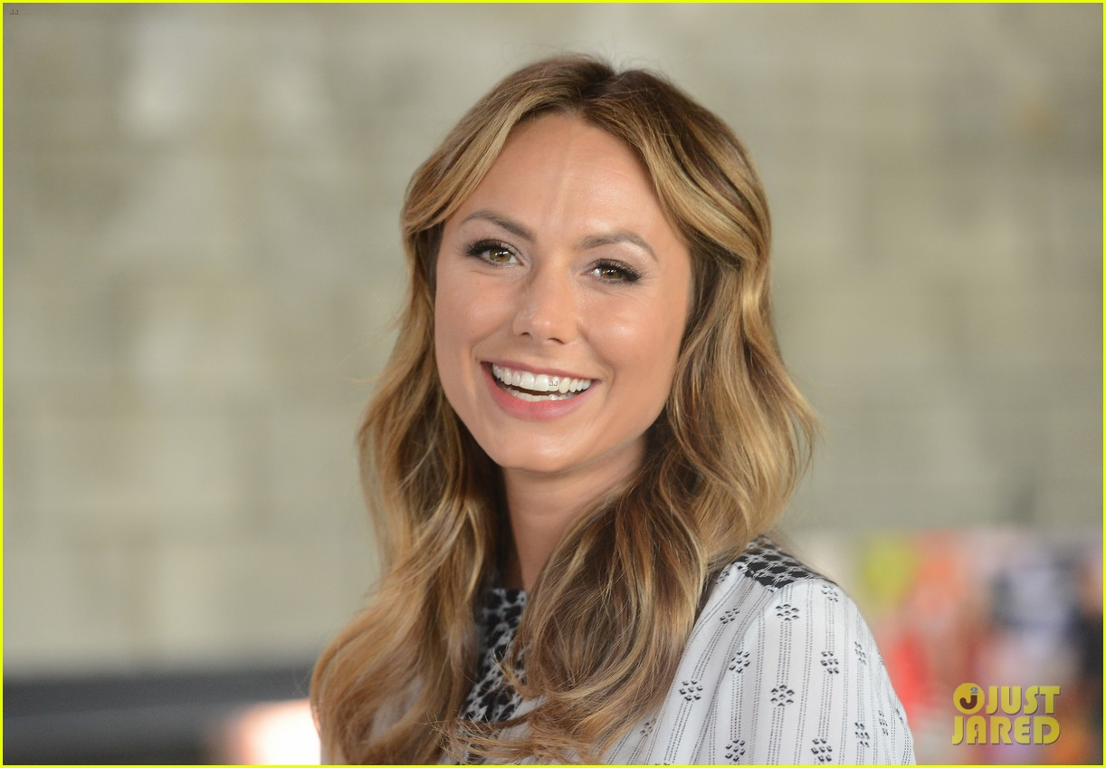 stacy keibler promote new show after george clooney split 112909867