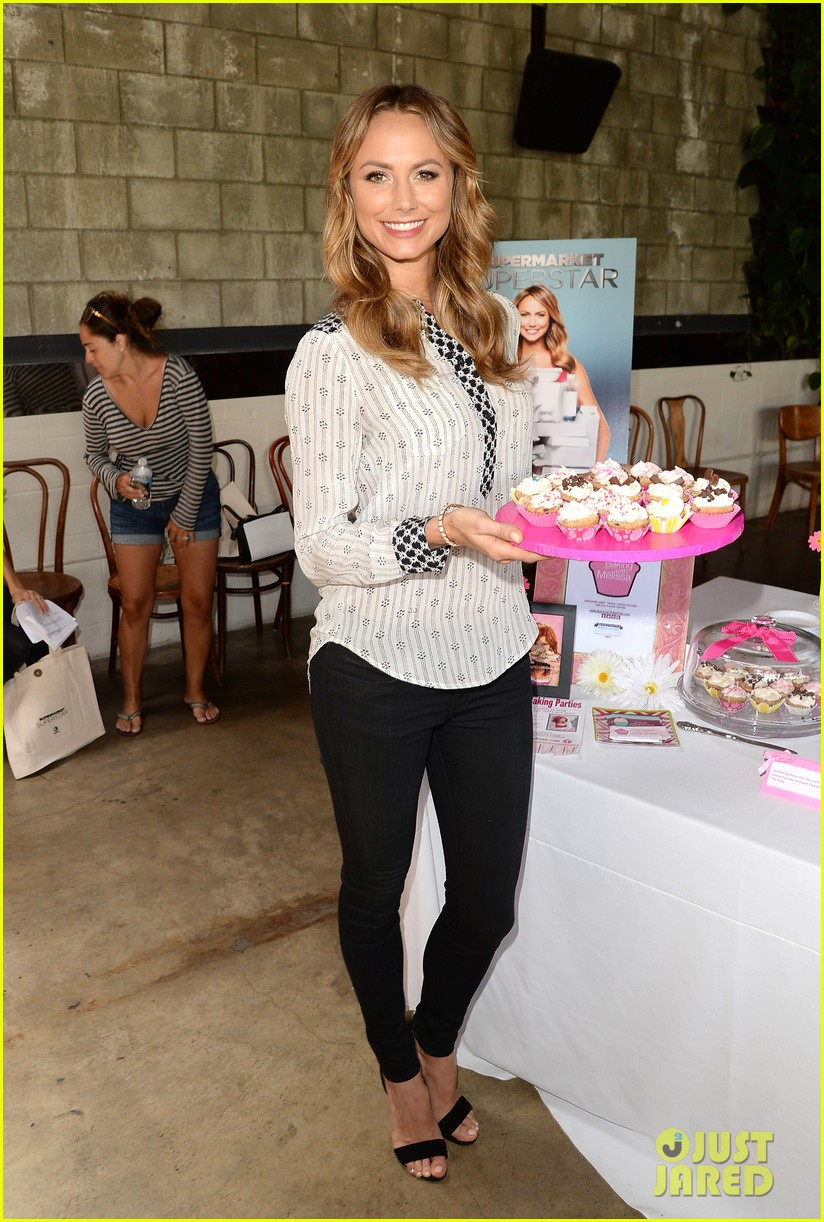 stacy keibler promote new show after george clooney split 272909883