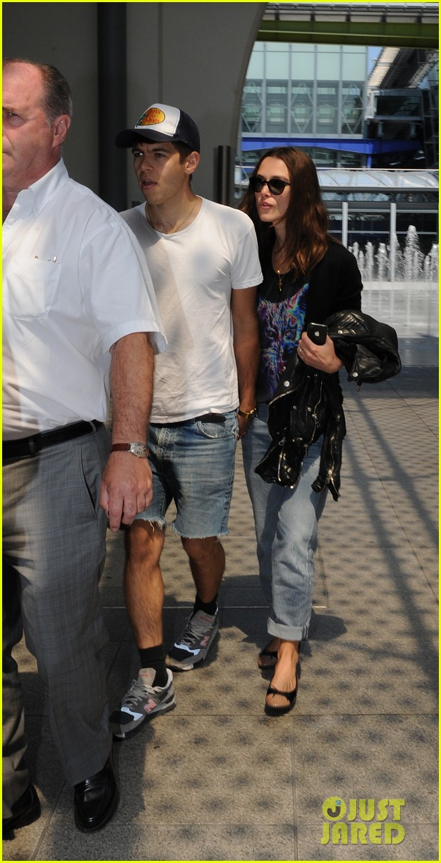 keira knightley returns to london with james righton 052906521