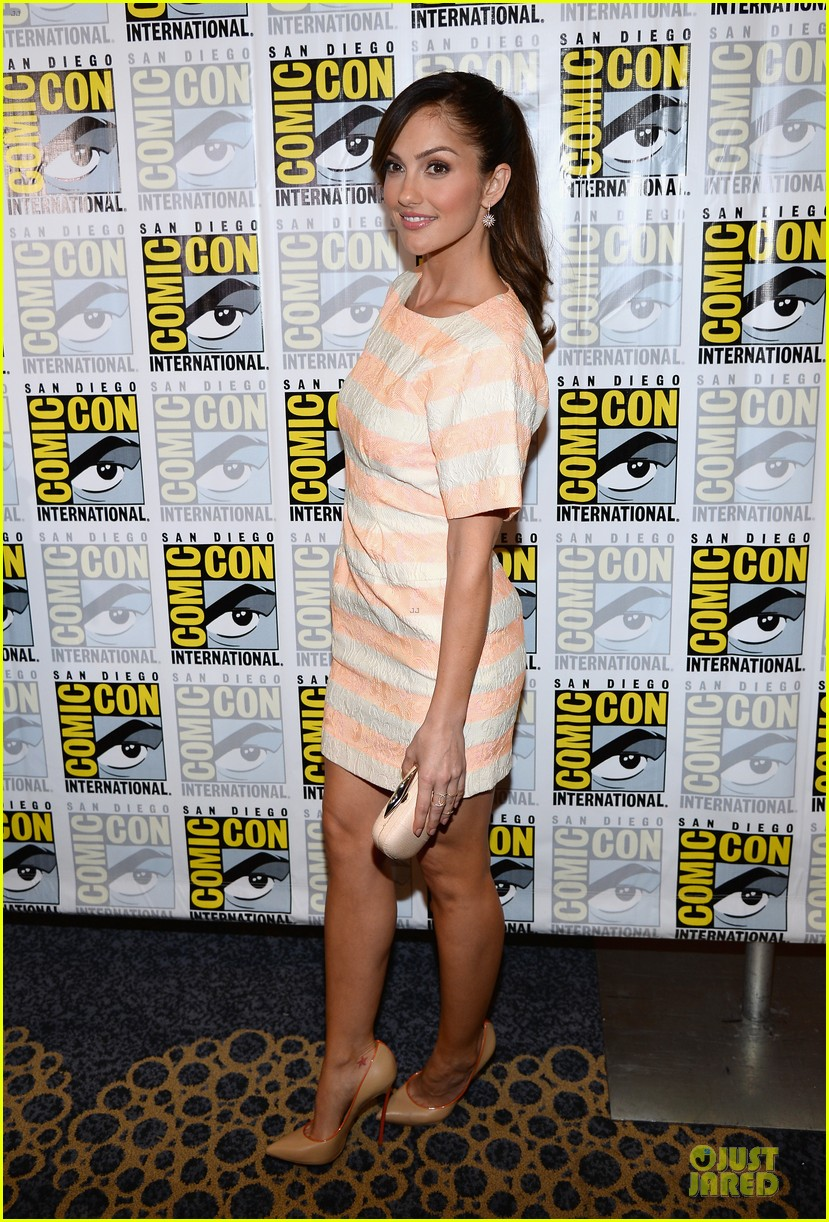 minka kelly michael ealy almost human at comic con 072912519