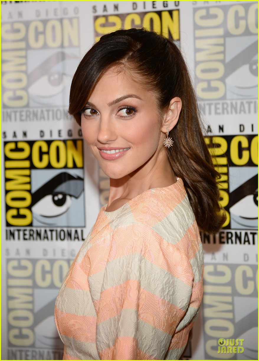 minka kelly michael ealy almost human at comic con 102912522