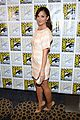 minka kelly michael ealy almost human at comic con 01