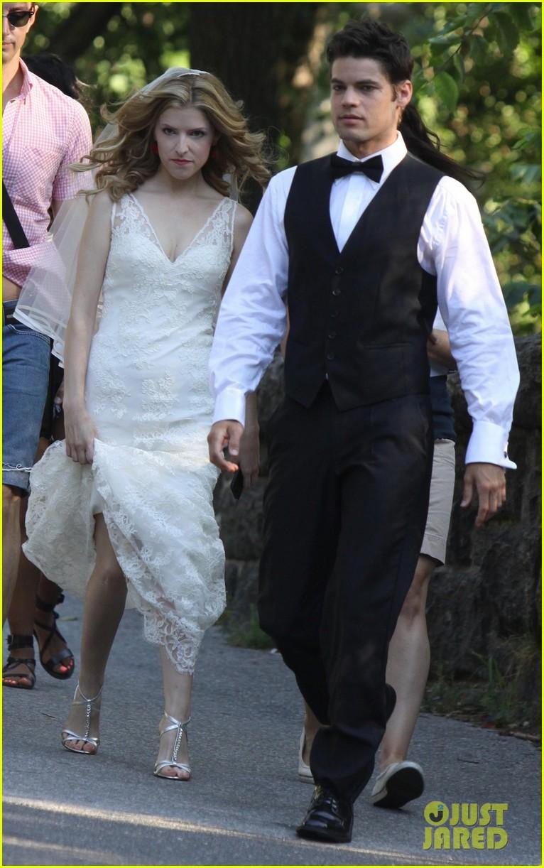 anna kendrick jeremy jordan last 5 years wedding scene 012905988