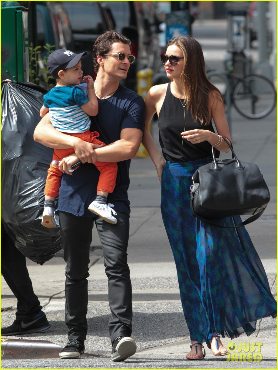 miranda kerr orlando bloom family day with flynn 032908842