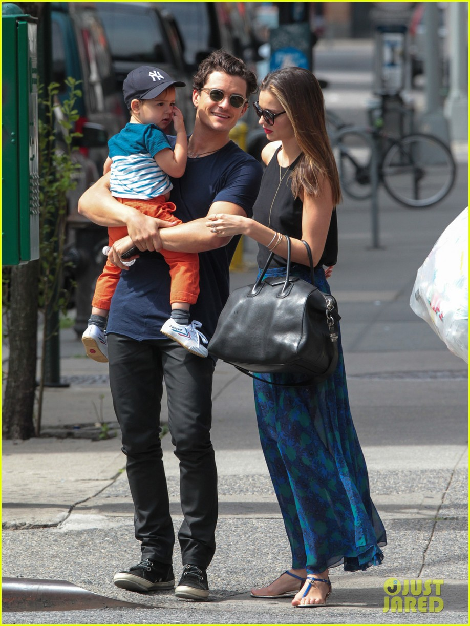 miranda kerr orlando bloom family day with flynn 04