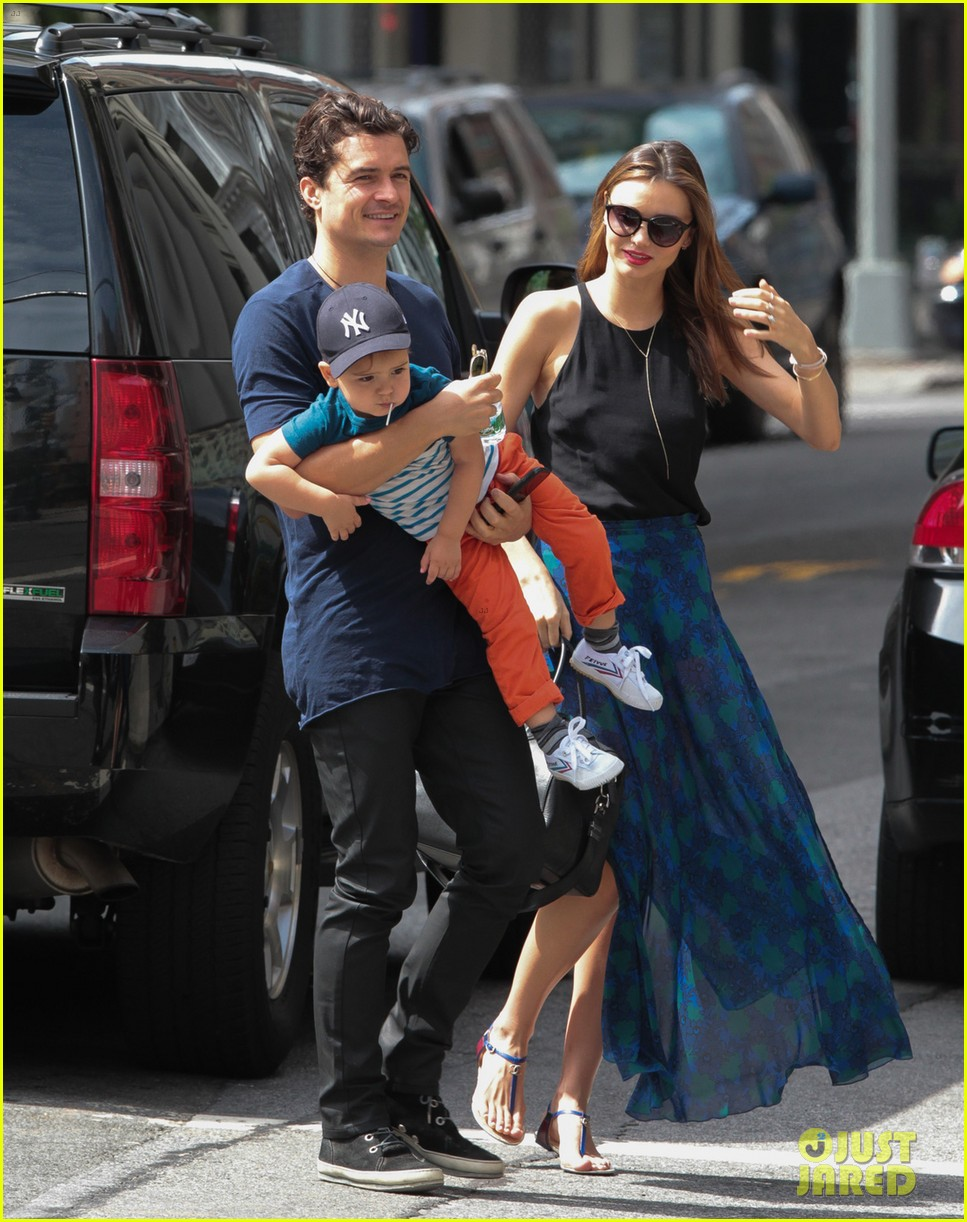miranda kerr orlando bloom family day with flynn 06