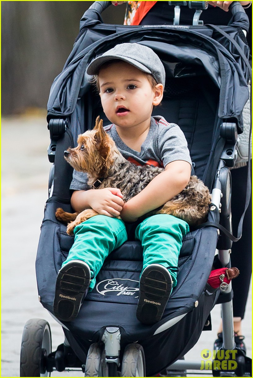 miranda kerr central park morning with flynn frankie 072917475