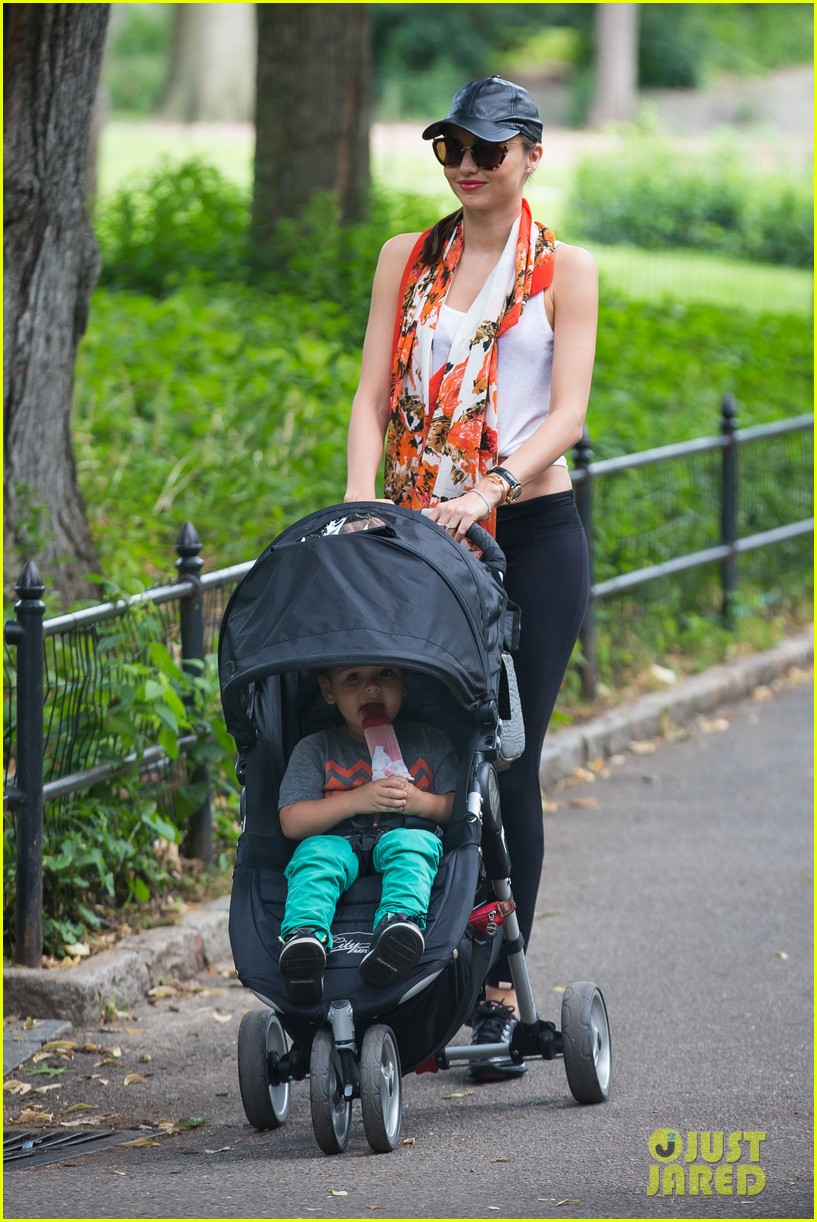 miranda kerr central park morning with flynn frankie 11