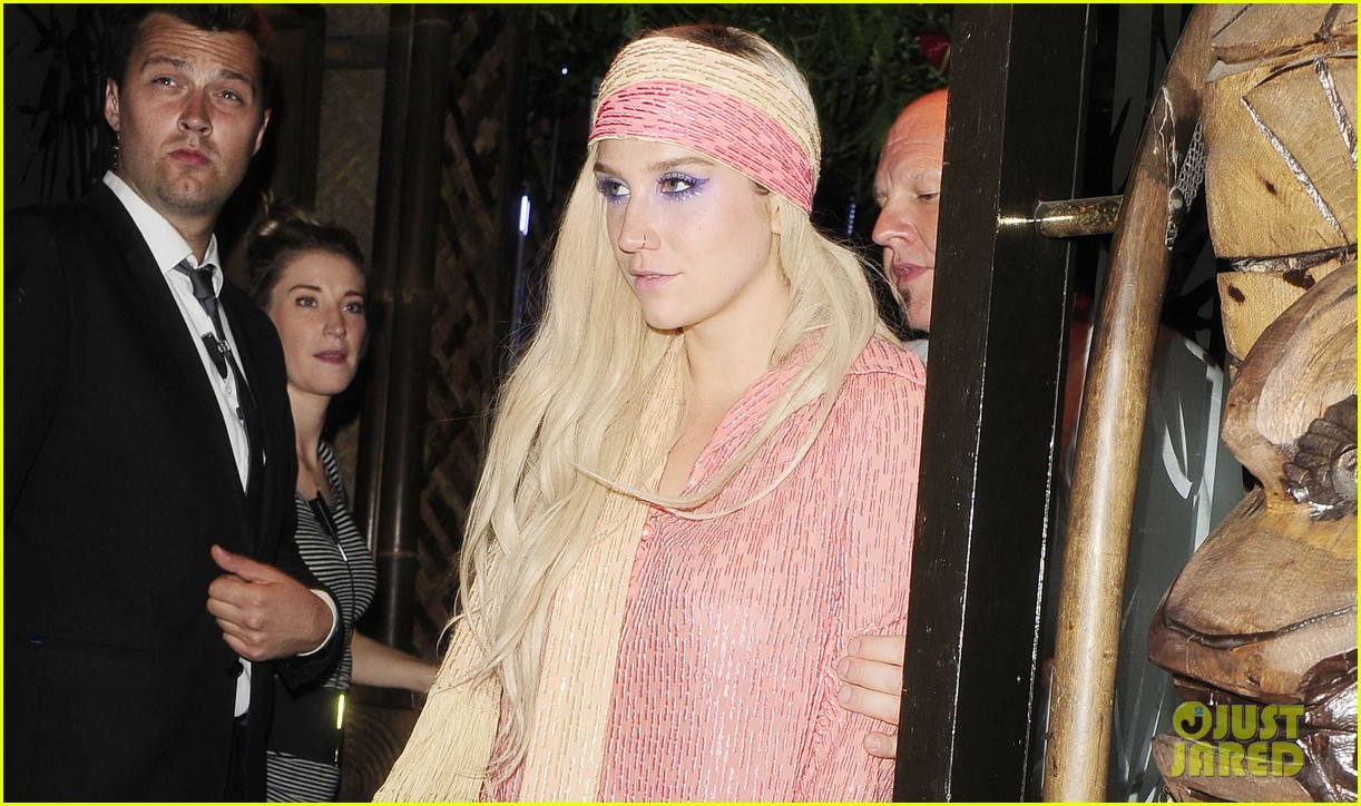 kesha parties at maliki after glittered up show 032910308