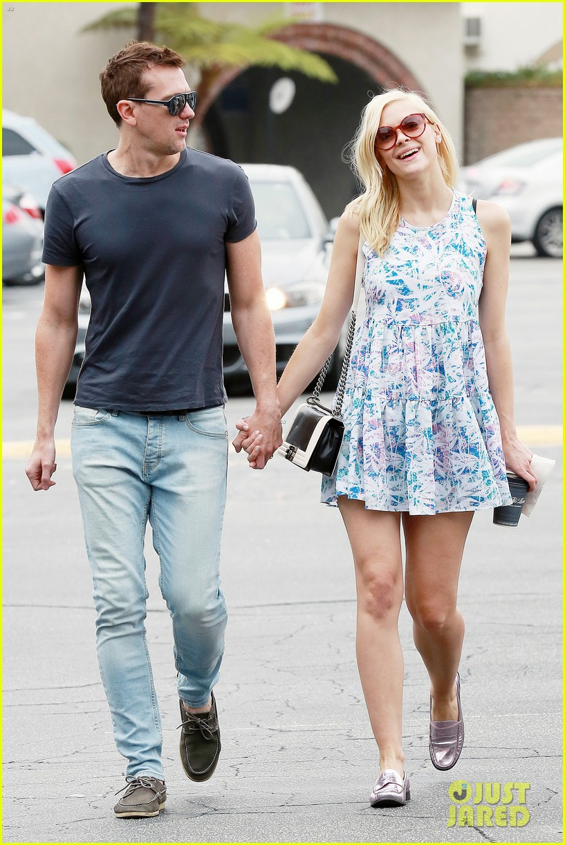 pregnant jaime king a voltre sante brunch with kyle newman 012914534