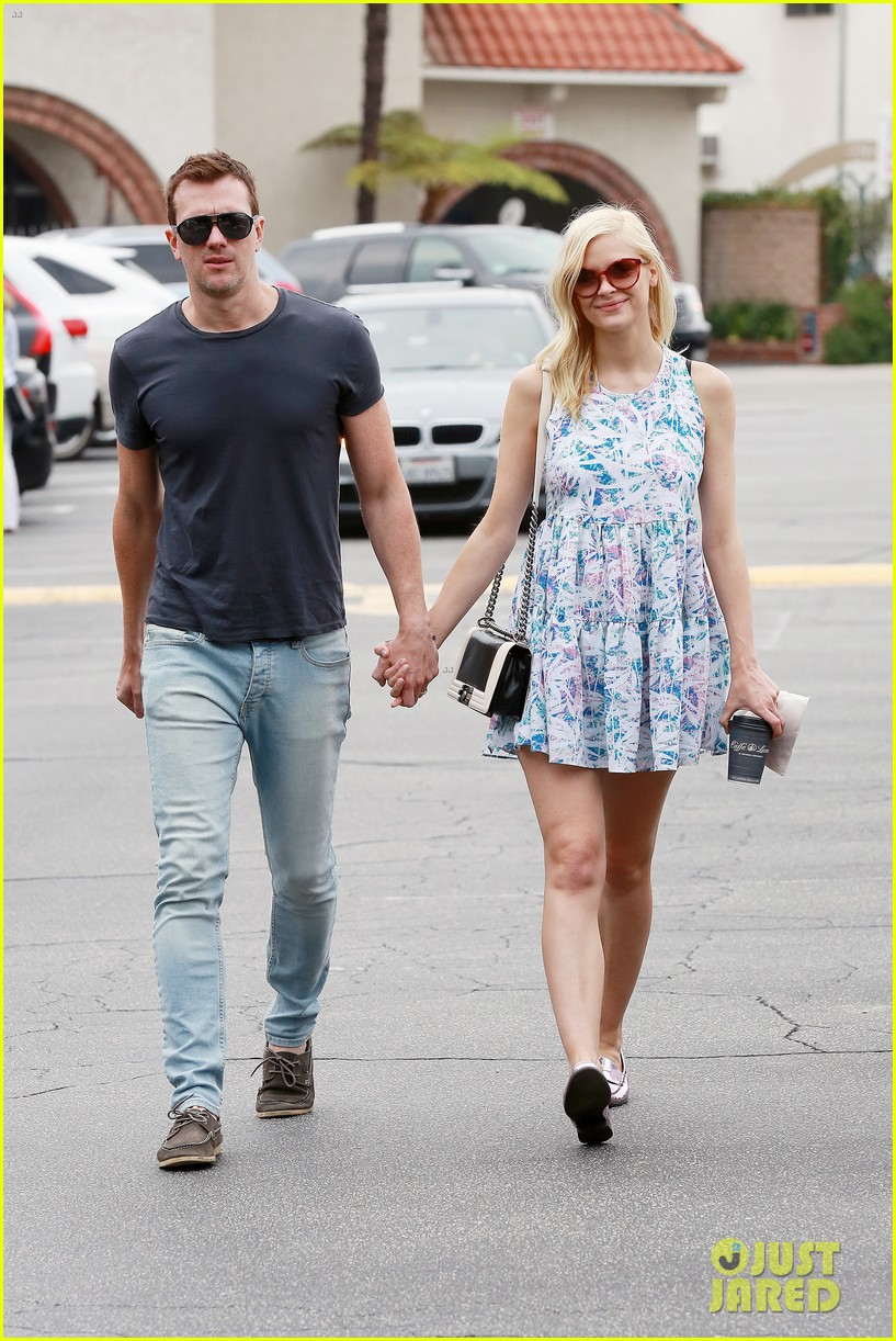 pregnant jaime king a voltre sante brunch with kyle newman 062914539