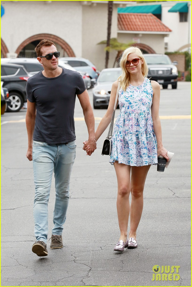 pregnant jaime king a voltre sante brunch with kyle newman 112914544