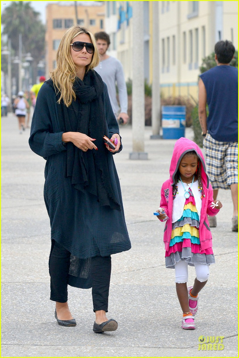 heidi klum martin kirsten venice beach bonding after nyc departure 07