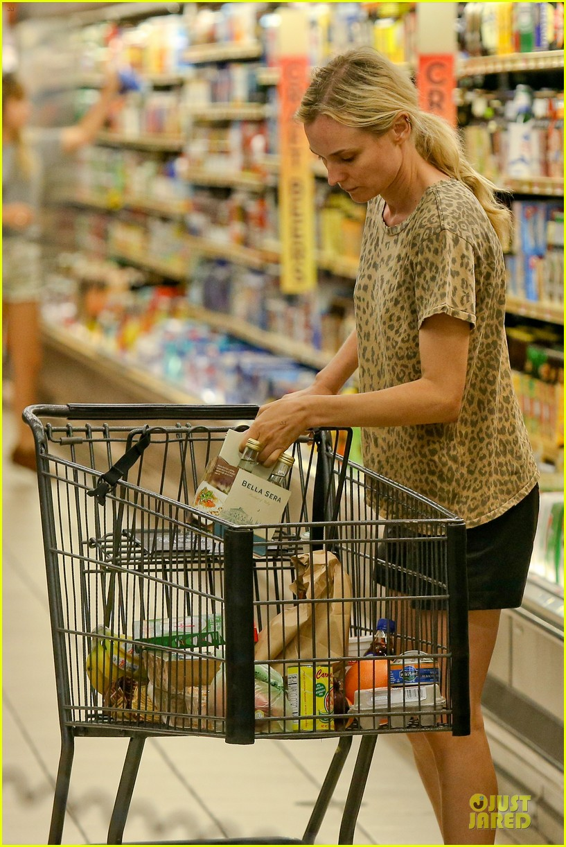 diane kruger joshua jackson white wine fruit shoppers 242914185