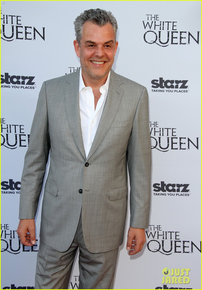 olga kurylenko kisses danny huston at white queen premiere 222917147