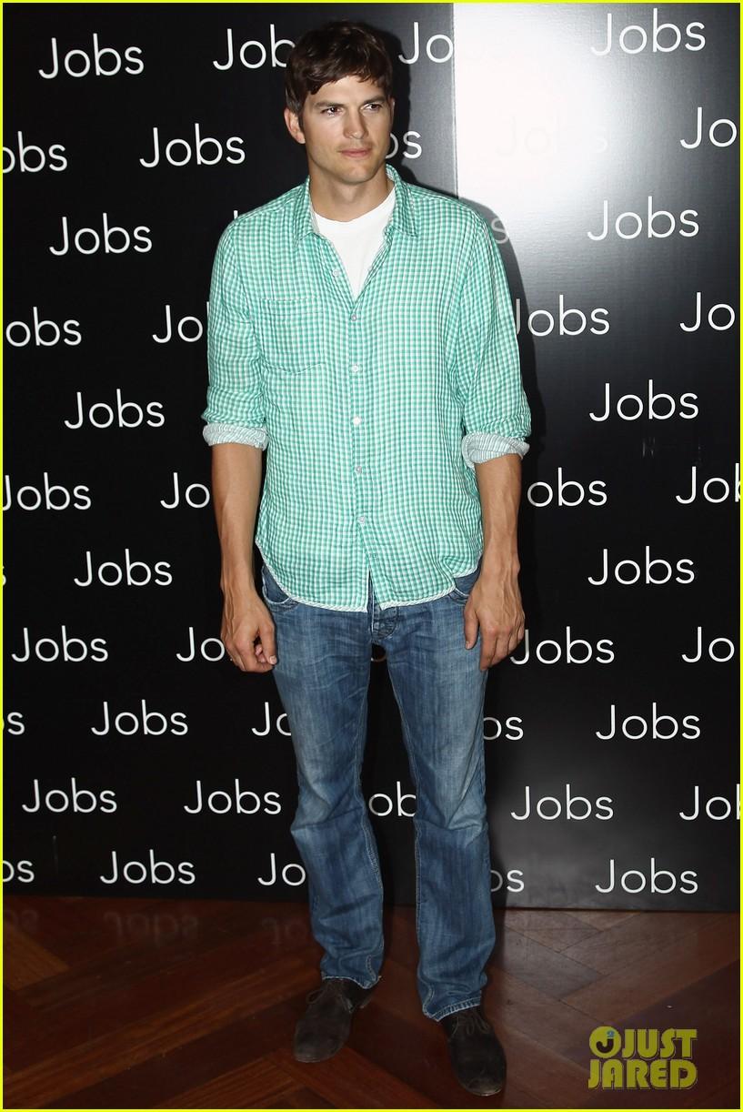 ashton kutcher jobs paris premiere 052901875