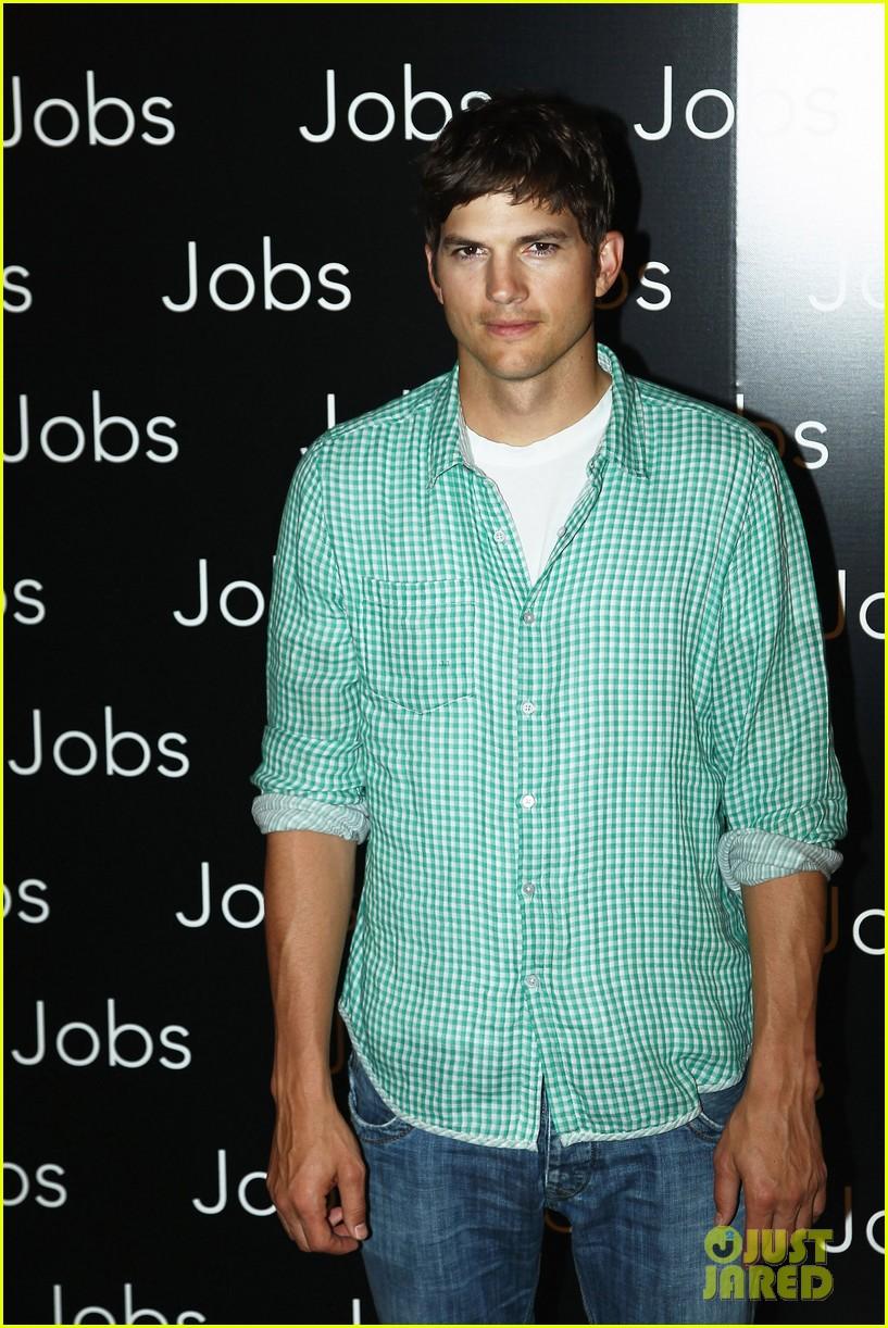 ashton kutcher jobs paris premiere 062901876