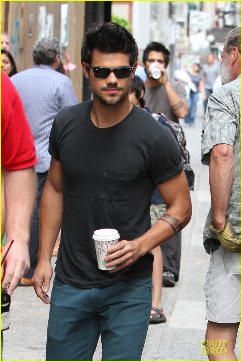 taylor lautner coffee break on tracers set 042917901