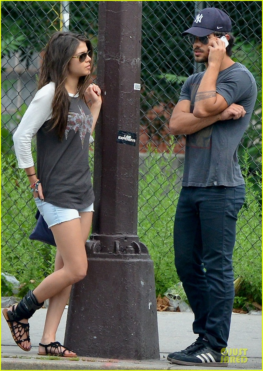 taylor lautner marie avgeropoulos holding hands as new couple 04