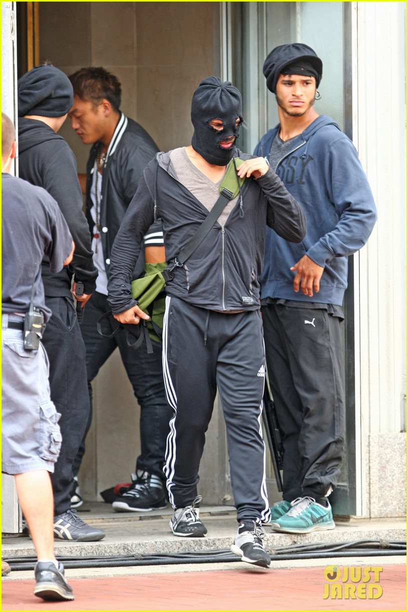 taylor lautner walks in socks on tracers set 132908244