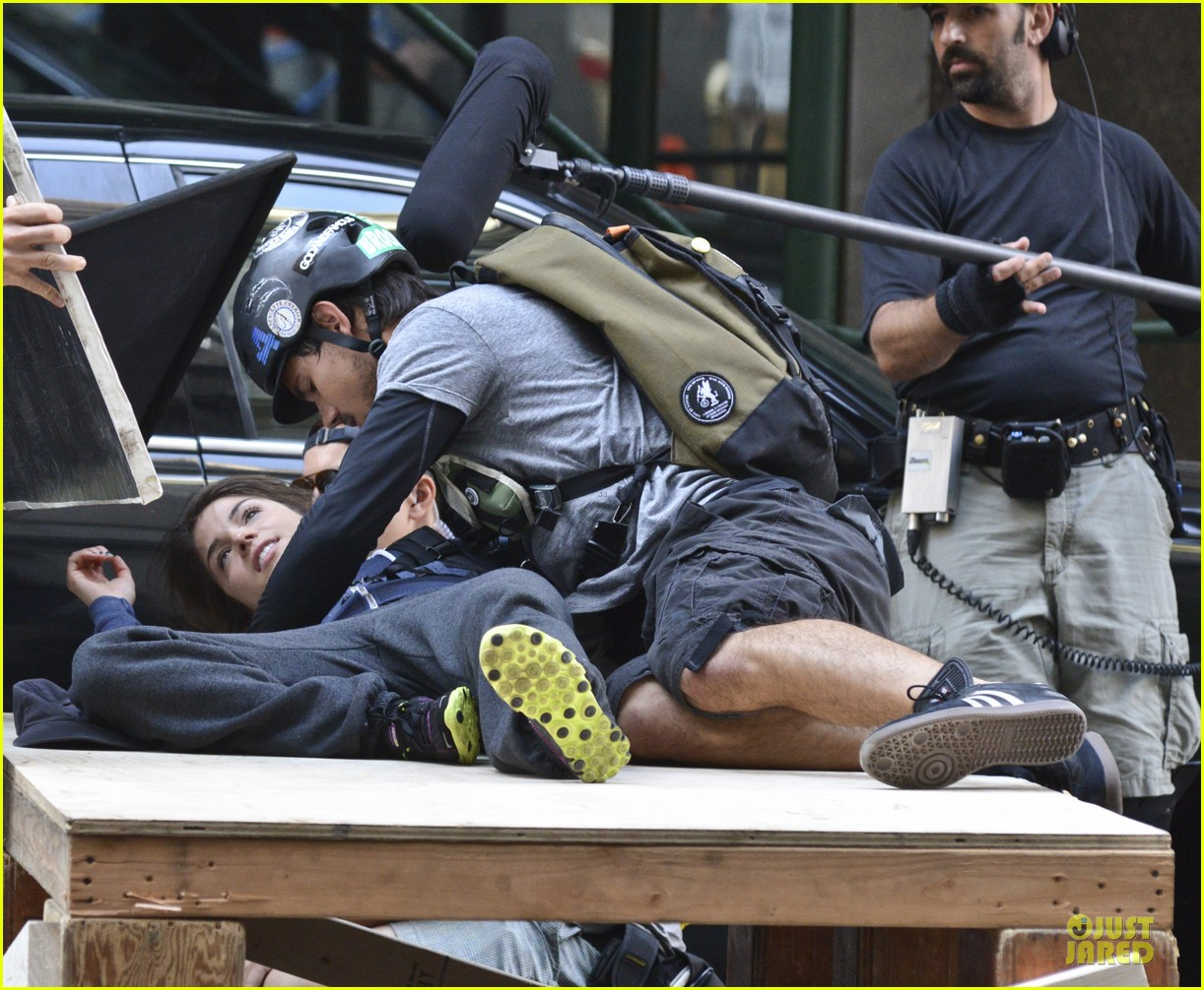 taylor lautner wood tracers scenes 092914477