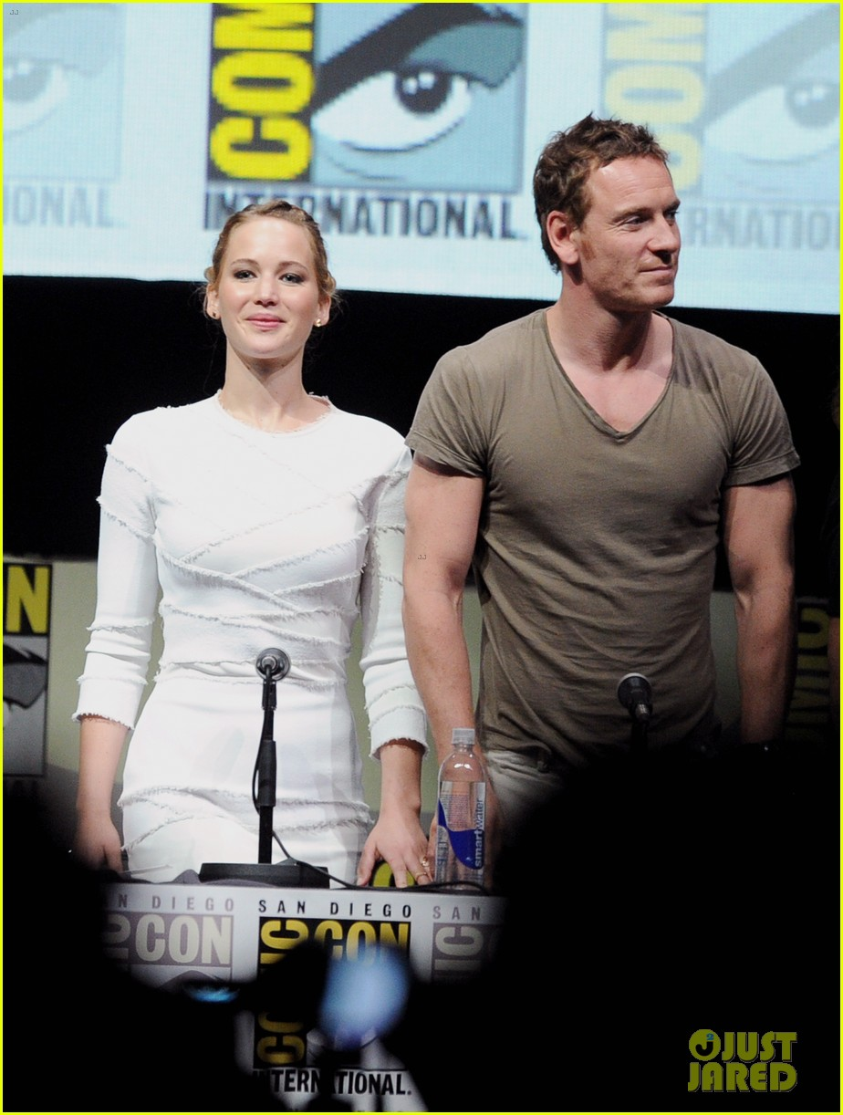 jennifer lawrence nicholas hoult x men comic con panel 012913492