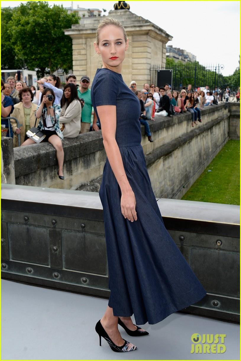 leelee sobieski gemma arterton christian dior fashion show 052902688