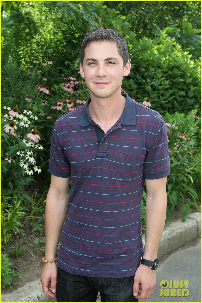 logan lerman alexandra daddario percy jackson press day 052917566