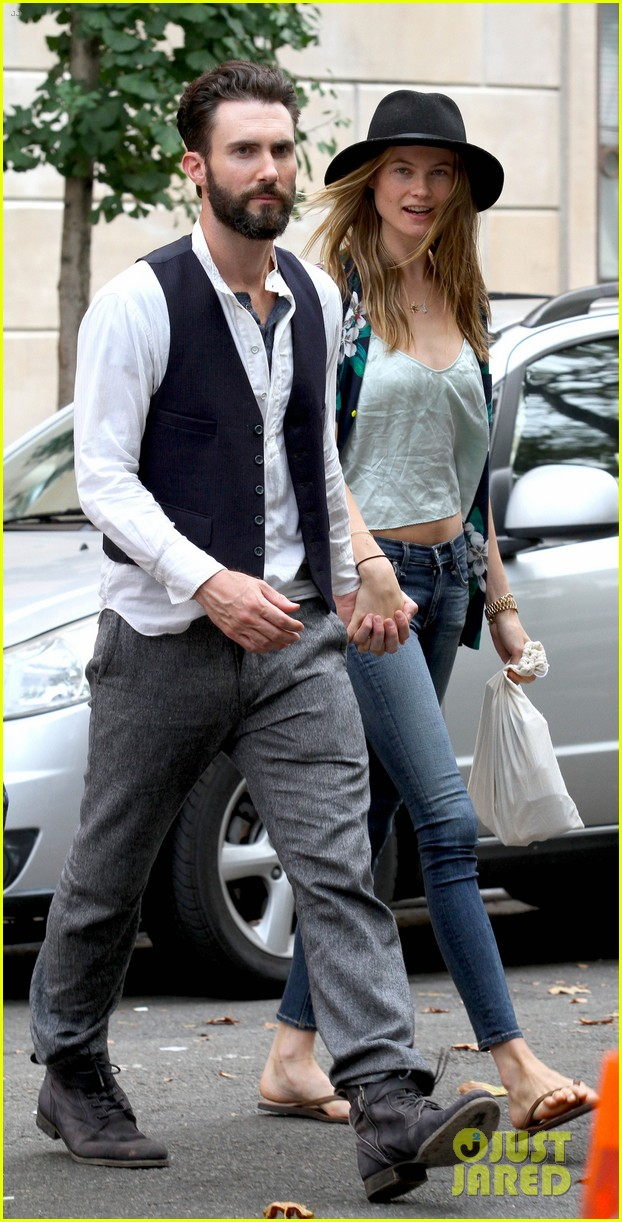 adam levine behati prinsloo song lunch break duo 02
