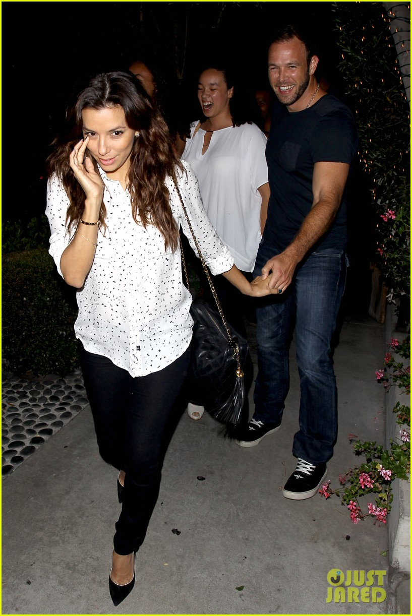 eva longoria ernesto aguello argo dinner after house hunting 02