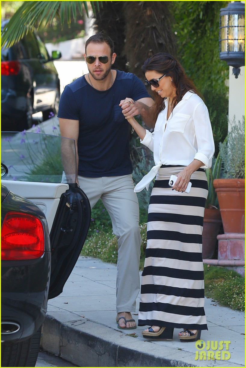 eva longoria ernesto aguello argo dinner after house hunting 12