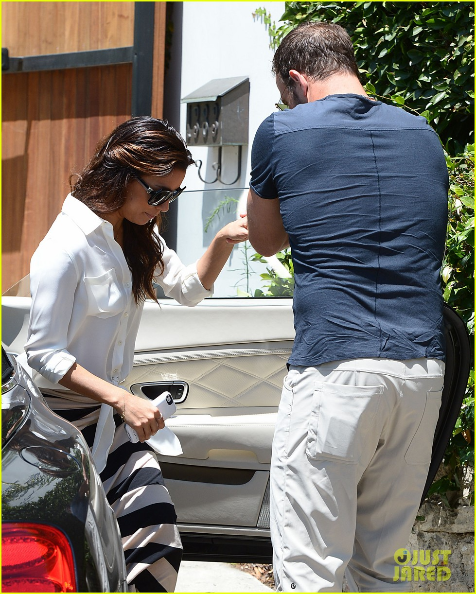 eva longoria ernesto aguello argo dinner after house hunting 33