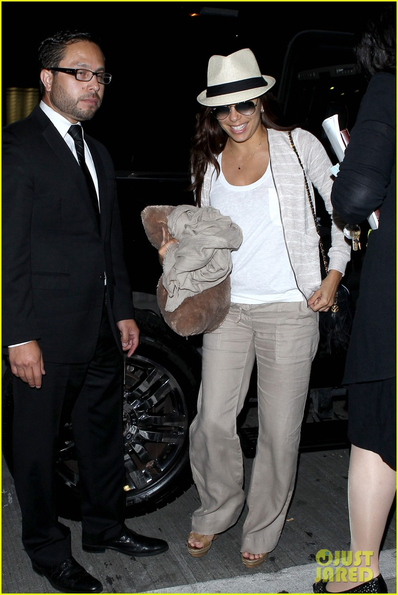 eva longoria lands in los angeles after paris trip 032908871