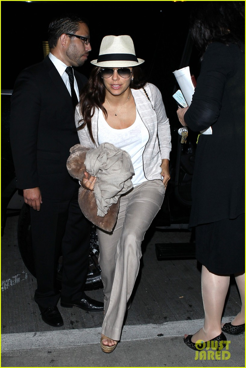 eva longoria lands in los angeles after paris trip 092908877