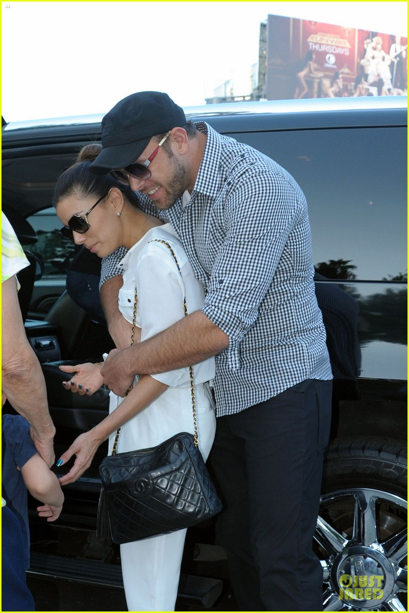 eva longoria ernesto arguello holding hands at cafe med 022915607