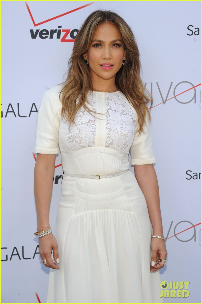 jennifer lopez viva movil flagship store opening 032917490