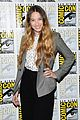 sophie lowe once upon a time in wonderland at comic con 06