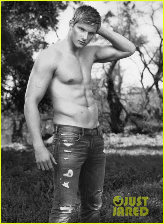 alexander ludwig shirtless abercrombie fitch campaign 012917196