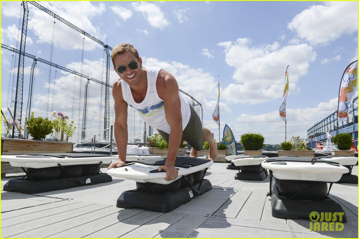 kellan lutz katrina bowden ops surf for life event hosts 102920241