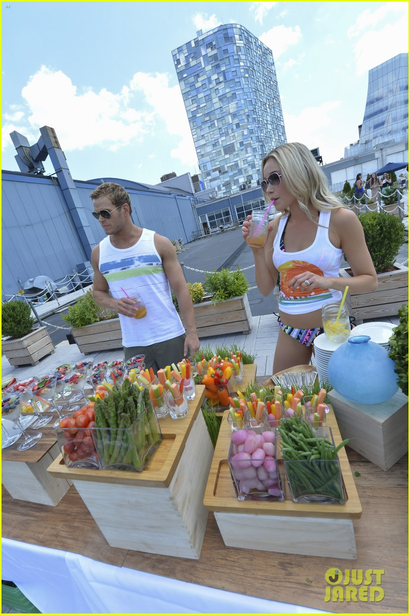 kellan lutz katrina bowden ops surf for life event hosts 192920250