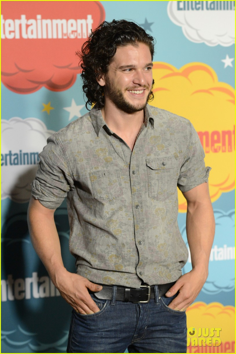 kit harington richard madden ews comic con party 122913819