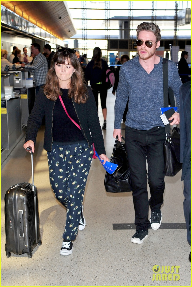 richard madden jenna coleman lots of luggage at lax 012917818