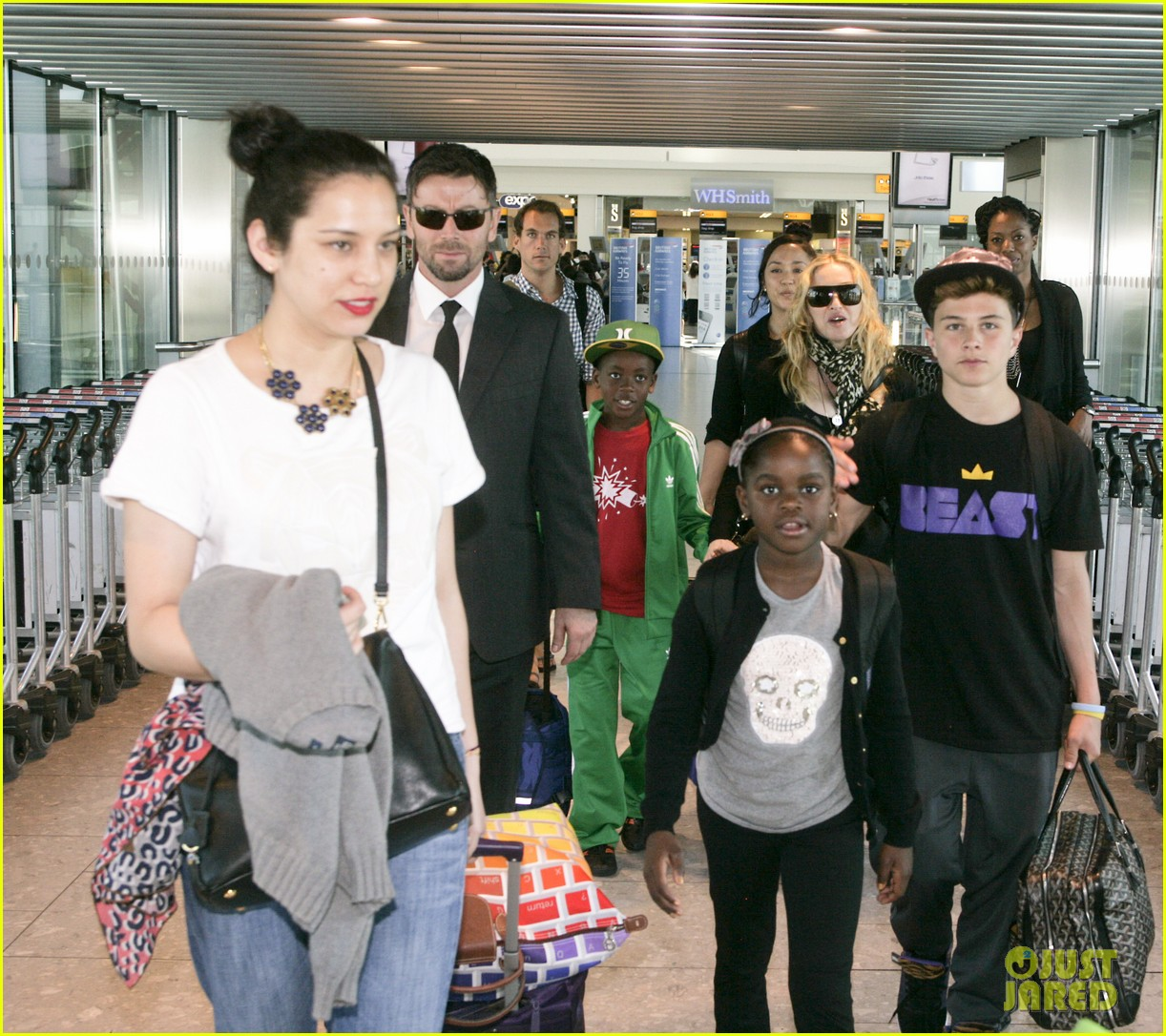 madonna lands in london with david mercy 032912326