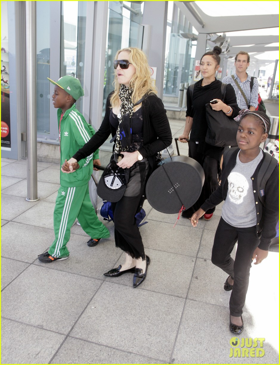 madonna lands in london with david mercy 052912328