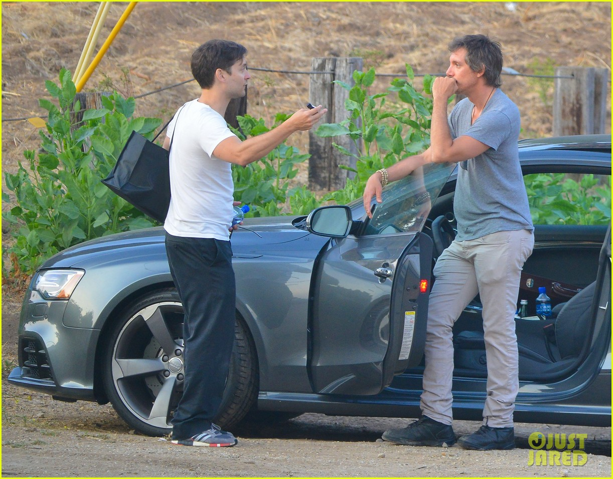 tobey maguire malibu chat with lukas haas 022901829